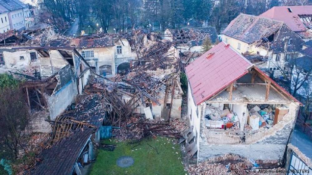 Kako se ponašati tijekom potresa? Stanite ispod nečeg čvrstog i čekajte