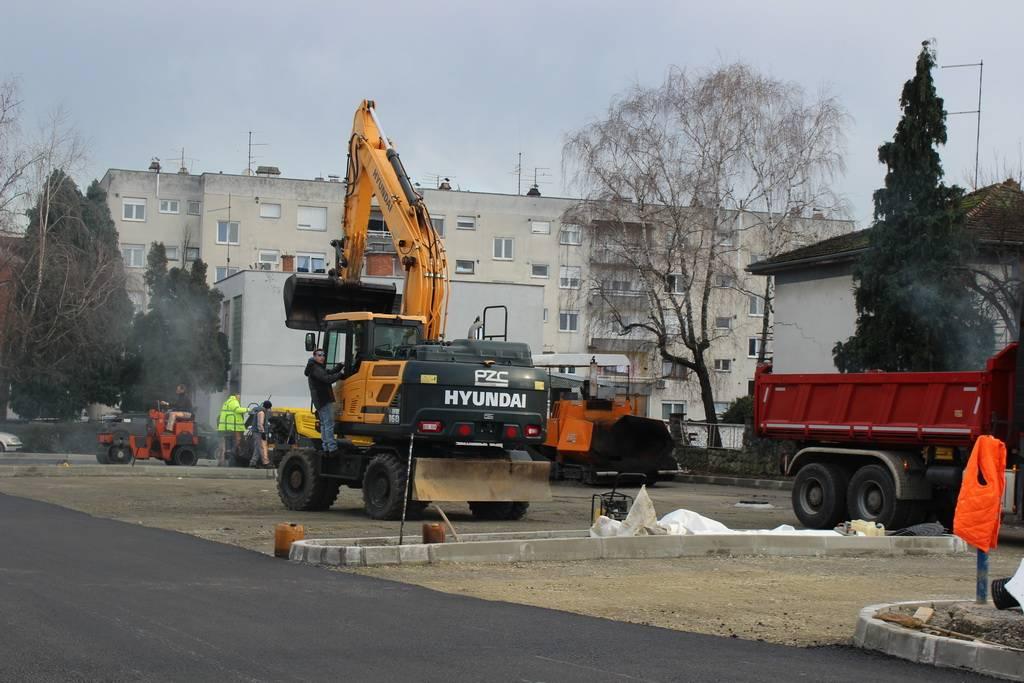 Napreduju radovi na izgradnji parkirališta u Ulici J. J. Strossmayera