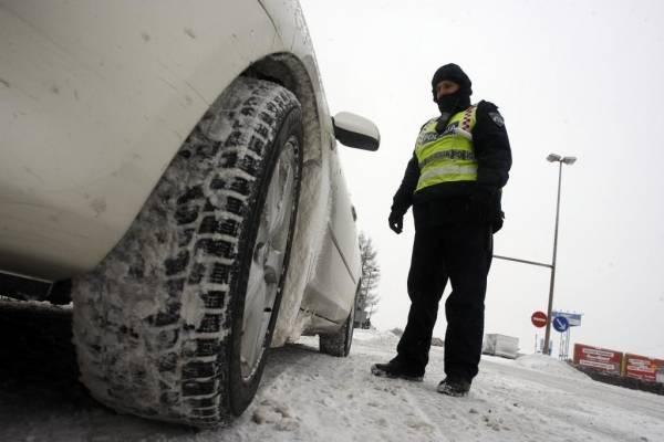 Policija podsjeća vozače o obveznoj uporabi zimske opreme