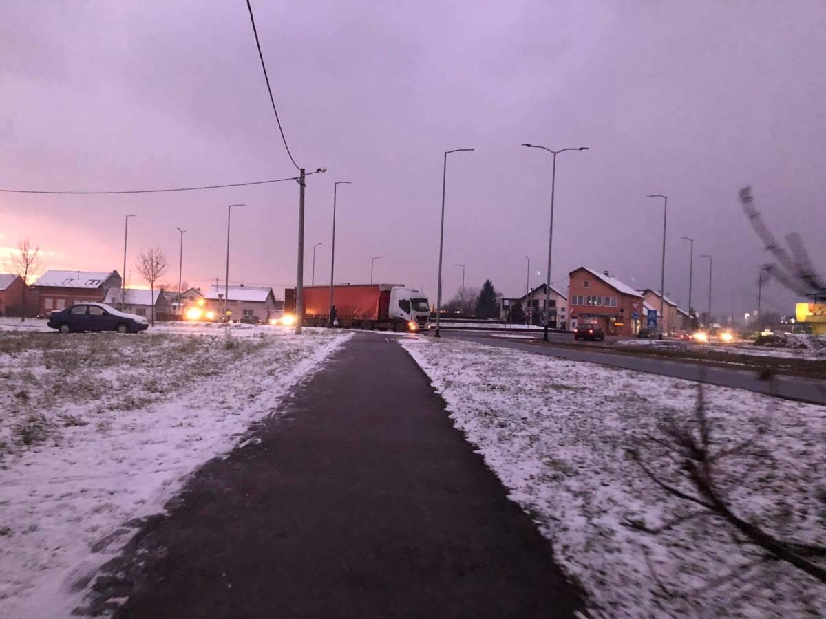 U Slavonskom Brodu iz šlepera ispao teret