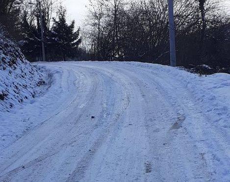 Građani iz gotovo svih dijelova županije nam se žale na neočišćene i zaleđene prometnice