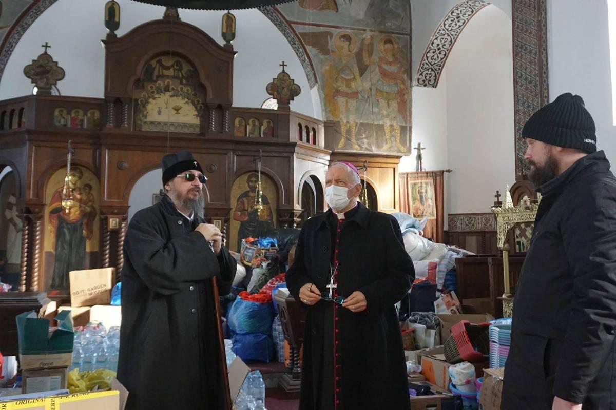 Biskup Škvorčević i episkopi Jovan Ćulibrk i Gerasim Popović posjetili glinsko područje nastradalo potresom