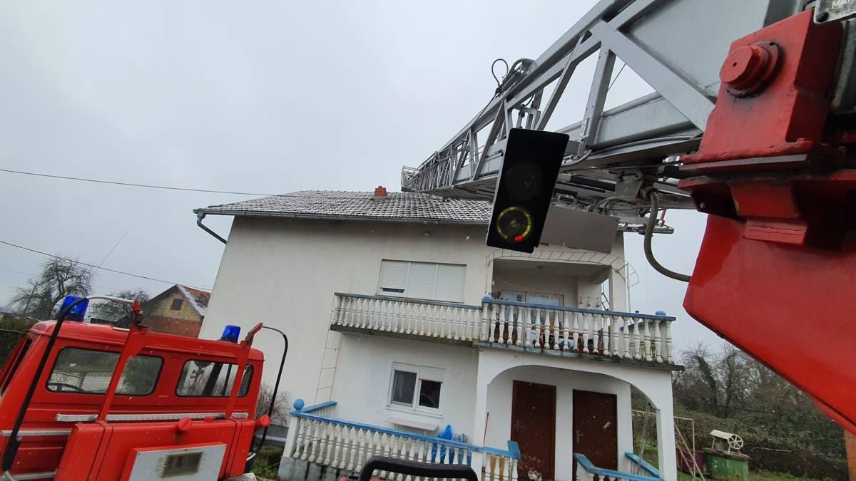 Požeški vatrogasci i dalje aktivni na potresom pogođenom području