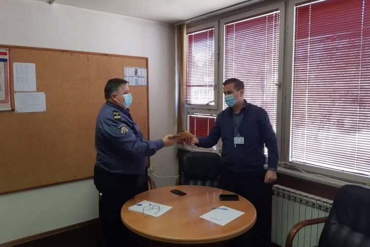 Djelatnici PU požeško-slavonske donirali novac djelatnicima PU sisačko-moslavačke pogođenim potresom