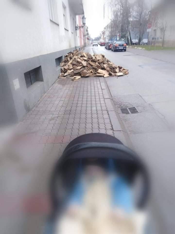 Lavinu komentara izazvala je fotka iz Slavonskog Broda. ʺLjudi niste stvarno uredu žena ne znaʺ