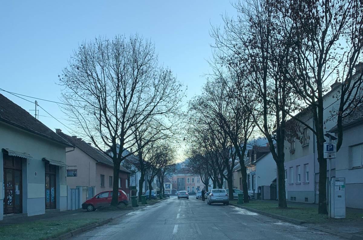 Upozorenje vozačima zbog opasne pojave na cestama: Znate li što je 'crni led' i zašto ga je teško uočiti