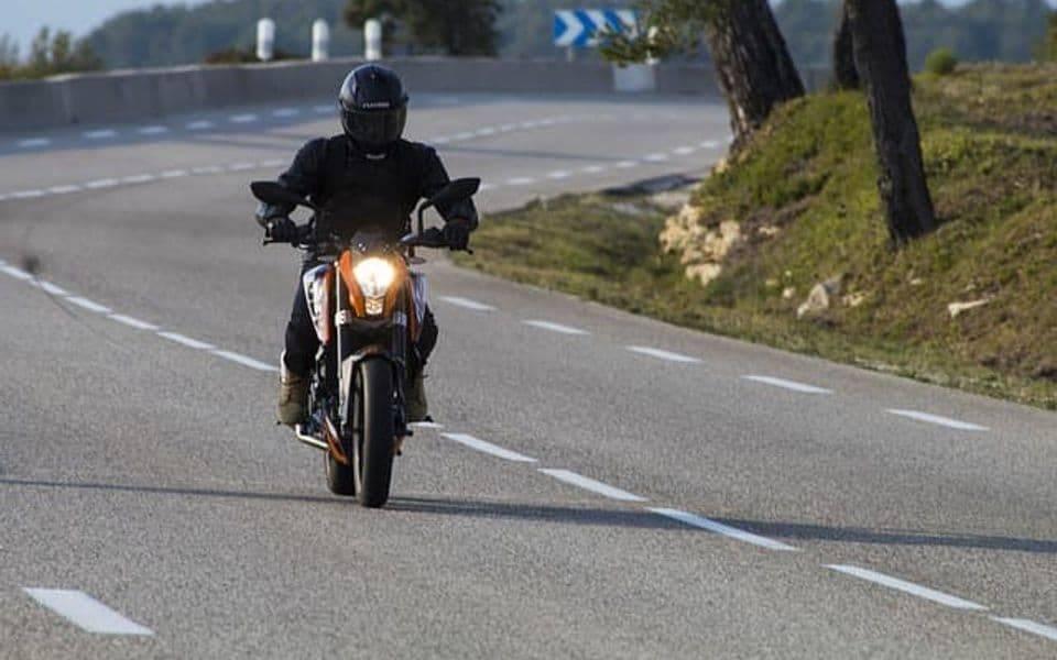 Rekorder vikenda: 22- godišnjak u Frkljevcima bez kacige upravljao neregistriranim motociklom te ʺzaradioʺ 18.000,00 kuna kazne