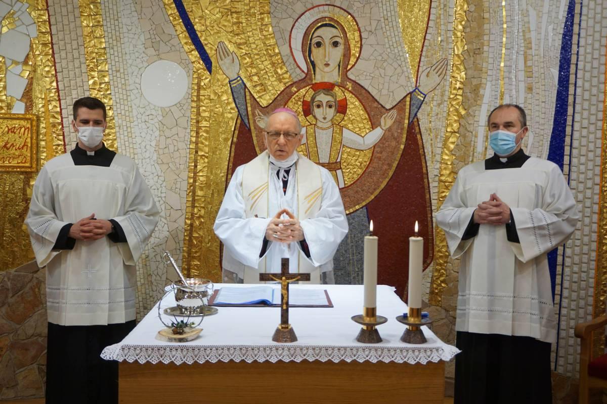 Blagoslov križnog puta u kapeli Svećeničkog doma u Požegi
