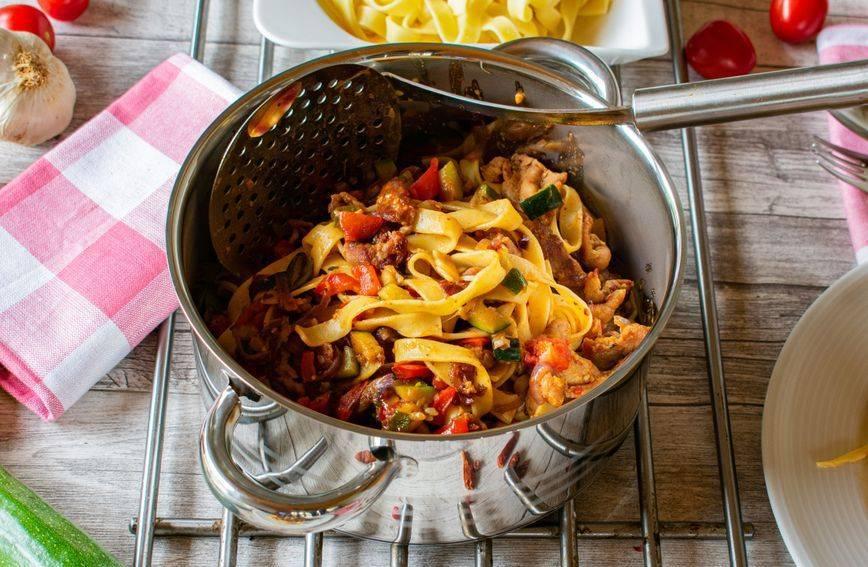 Proteinska tjestenina iz jednog lonca: Recept za fin ručak koji se radi bez grama mesa