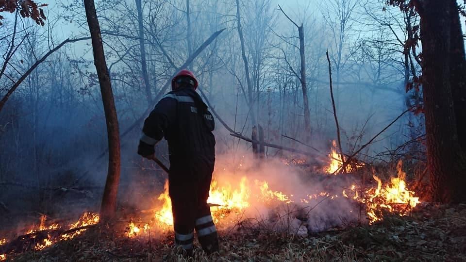 Policija poziva na oprez; još jedan požar na otvorenom kod mjesta Jezero