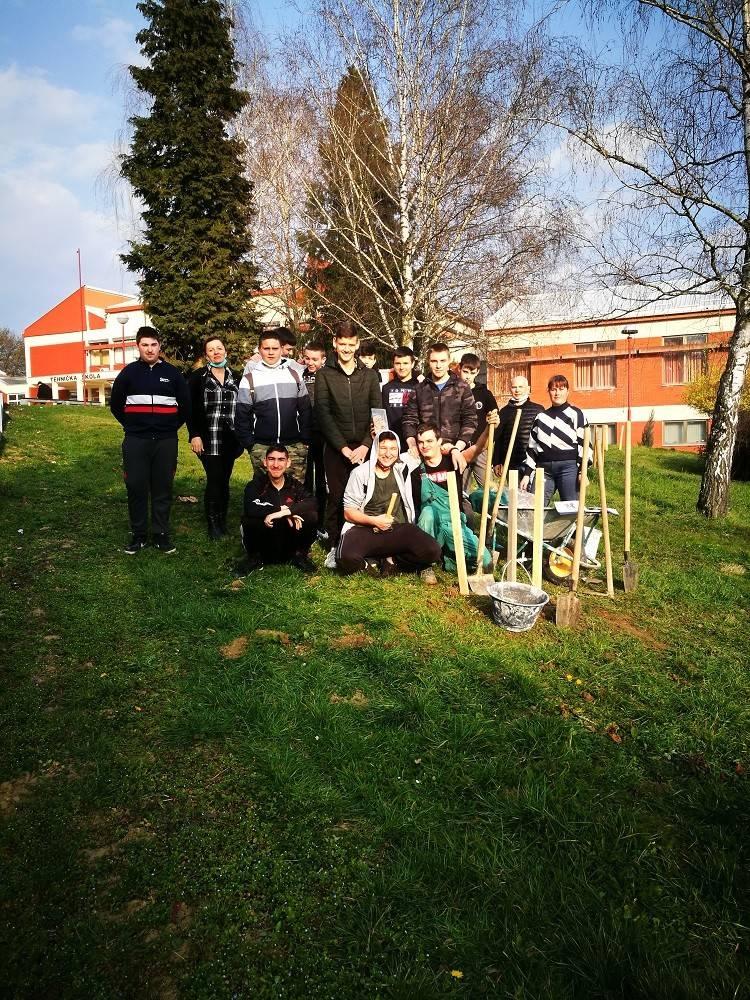 Učenici Obrtničke škole sudjelovali u nacionalnoj kampanji ʺZasadi stablo, ne budi panjʺ