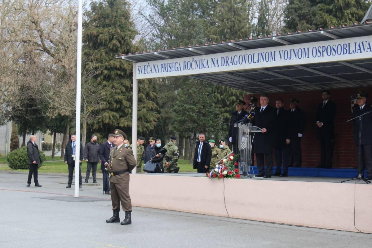 Ministar obrane na prisegi 29. naraštaja ročnika ističe važnost pridruživanja mladih vojsci kako bi HV nastavio razvoj novih sposobnosti