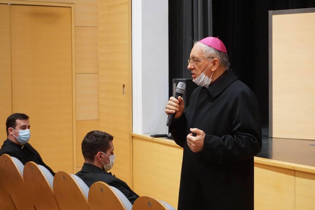 Korizmeni susreti stipendista zaklade Požeške biskupije za pomoć učenicima i studentima
