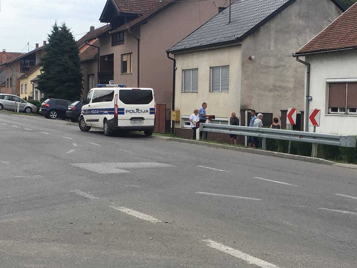 27-godišnjak Audijem njemačkih tablica pijan ʺdivljaoʺ po cesti pa se zabio u ogradu