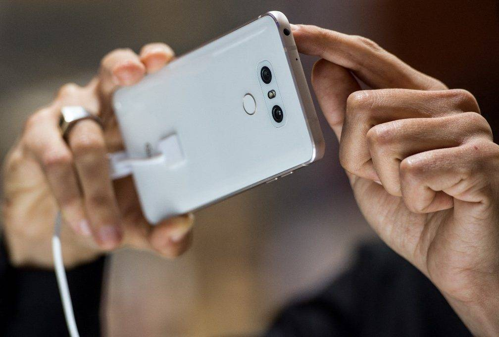 S tržišta se povlači jedan veliki proizvođač pametnih telefona