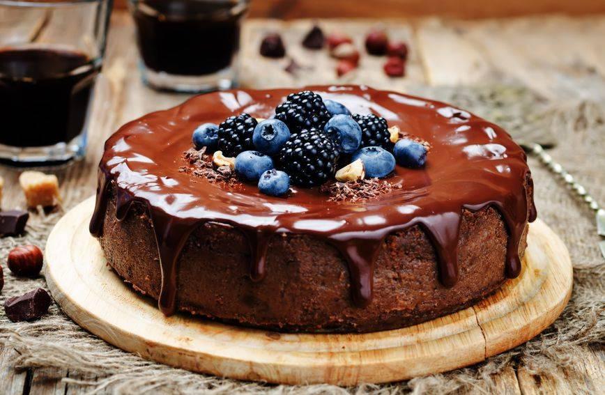 Recept za brzu čokoladnu tortu bez brašna koju i početnici u kuhinji rade bez greške