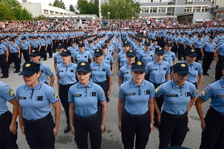 Stižu novi kriteriji za primanje policajaca u službu: Morat će skakati u dalj 197 cm, ali to nije sve