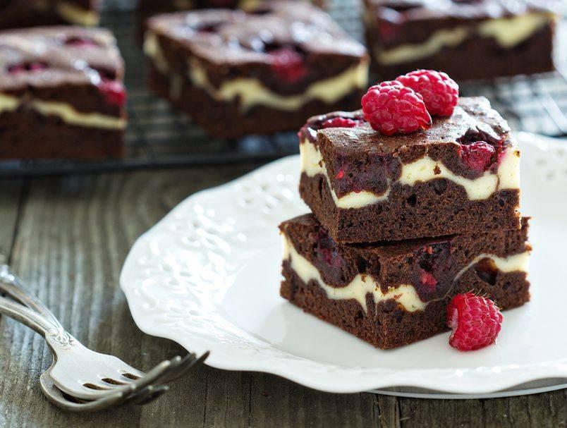 Cheesecake brownie: Recept za savršeni tris čokolade, sira i malina