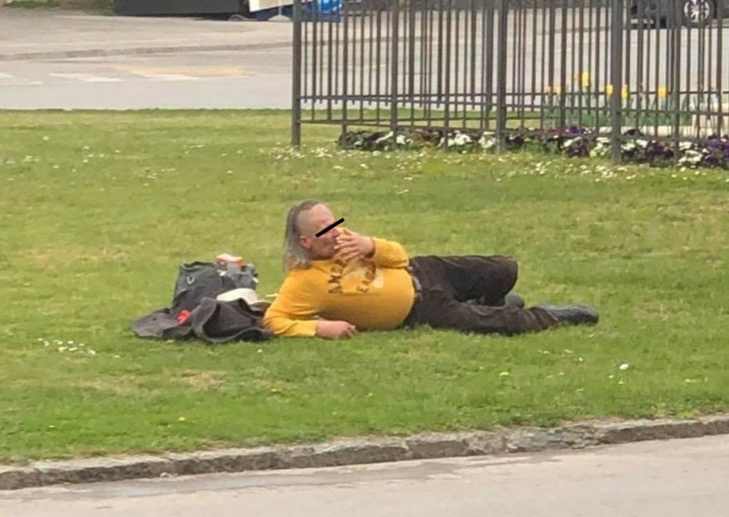 Muškarac (56) koji je jučer galamio i vikao na prolaznike na Trgu sv. Trojstva je skitnica?