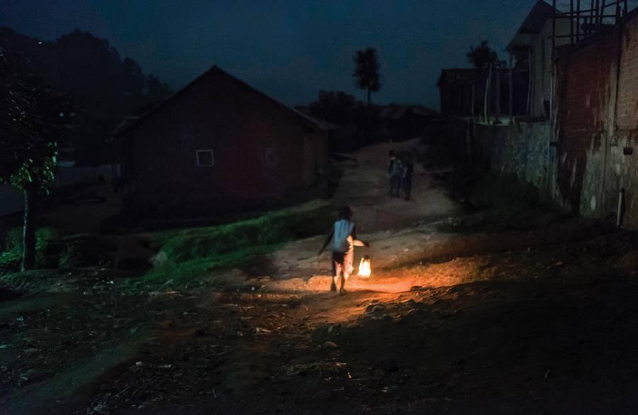 Samo kod nas u 2021.: Danas će 4 kućanstva prvi put ikad dobiti struju