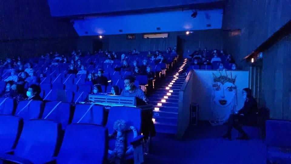 UPRAVO U SL. BRODU: U tijeku koncert nakon više od godinu dana. Evo kako brodska publika uživa