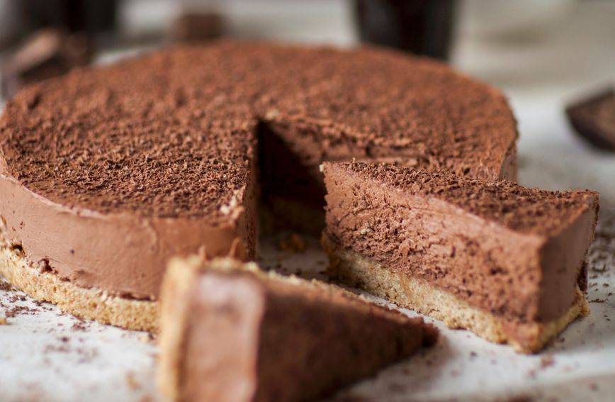 Najlakši recept: Čokoladni cheesecake bez pečenja gotov za 15 minuta