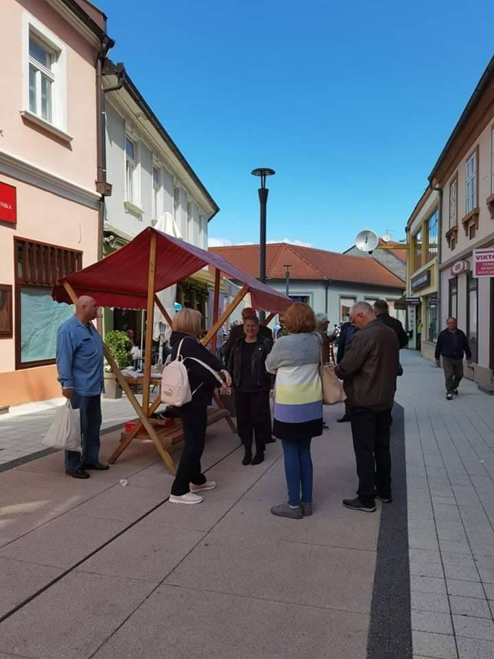 Dijana Krpan kandidatkinja Domovinskog pokreta za gradonačelnicu Požega provela prijepodne u druženju s građanima