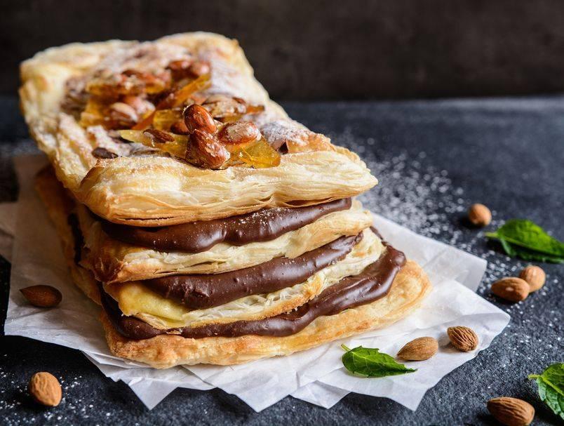 Samo 5 sastojaka: Recept za fantastični kolač s namazom od lješnjaka i čokolade