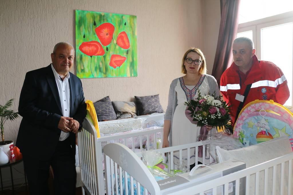Gradonačelnik Mirko Duspara uručio vrijednu opremu za bebe u četiri brodske obitelji