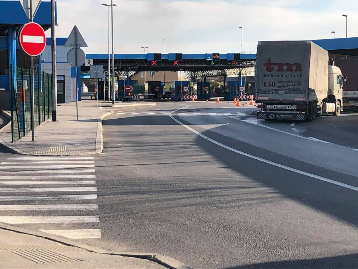 Gužve na granicama: Danas se zbog izbora u Hrvatsku može ući i bez testa na koronavirus