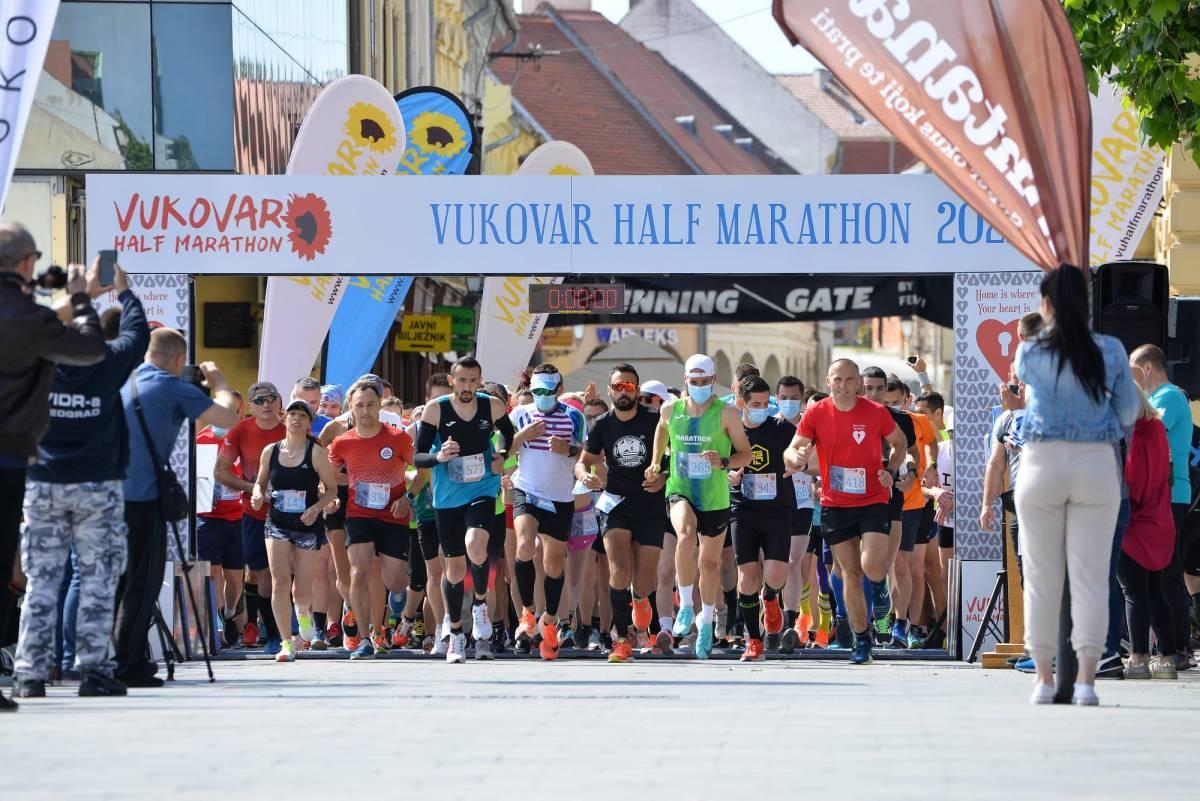 Požeški atletičari odlični na 3. Vukovarskom polumaratonu