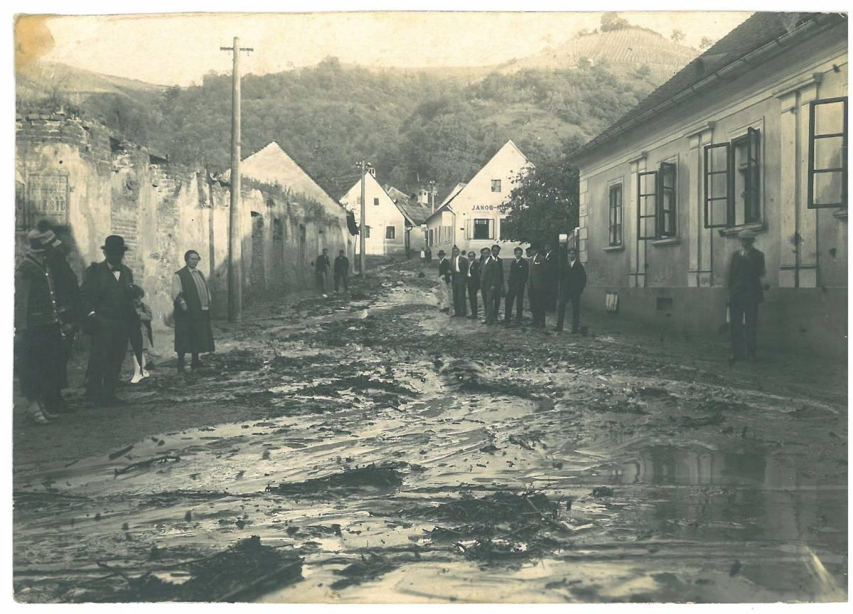 Pogledajte kako je prije 115 godina izgledala poplava u Požegi