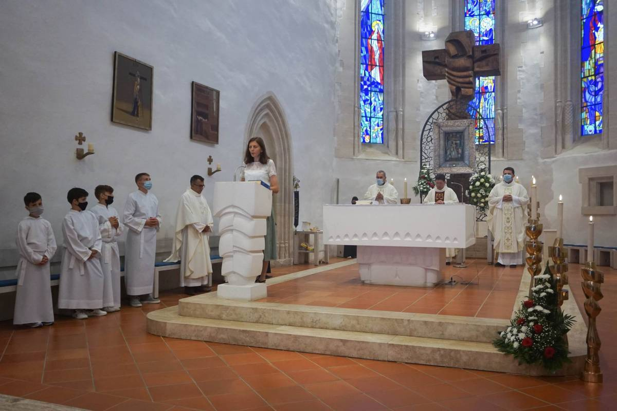 Hodočašće prigodom 18.godišnjice krunjenja lika Majke Božje Voćinske