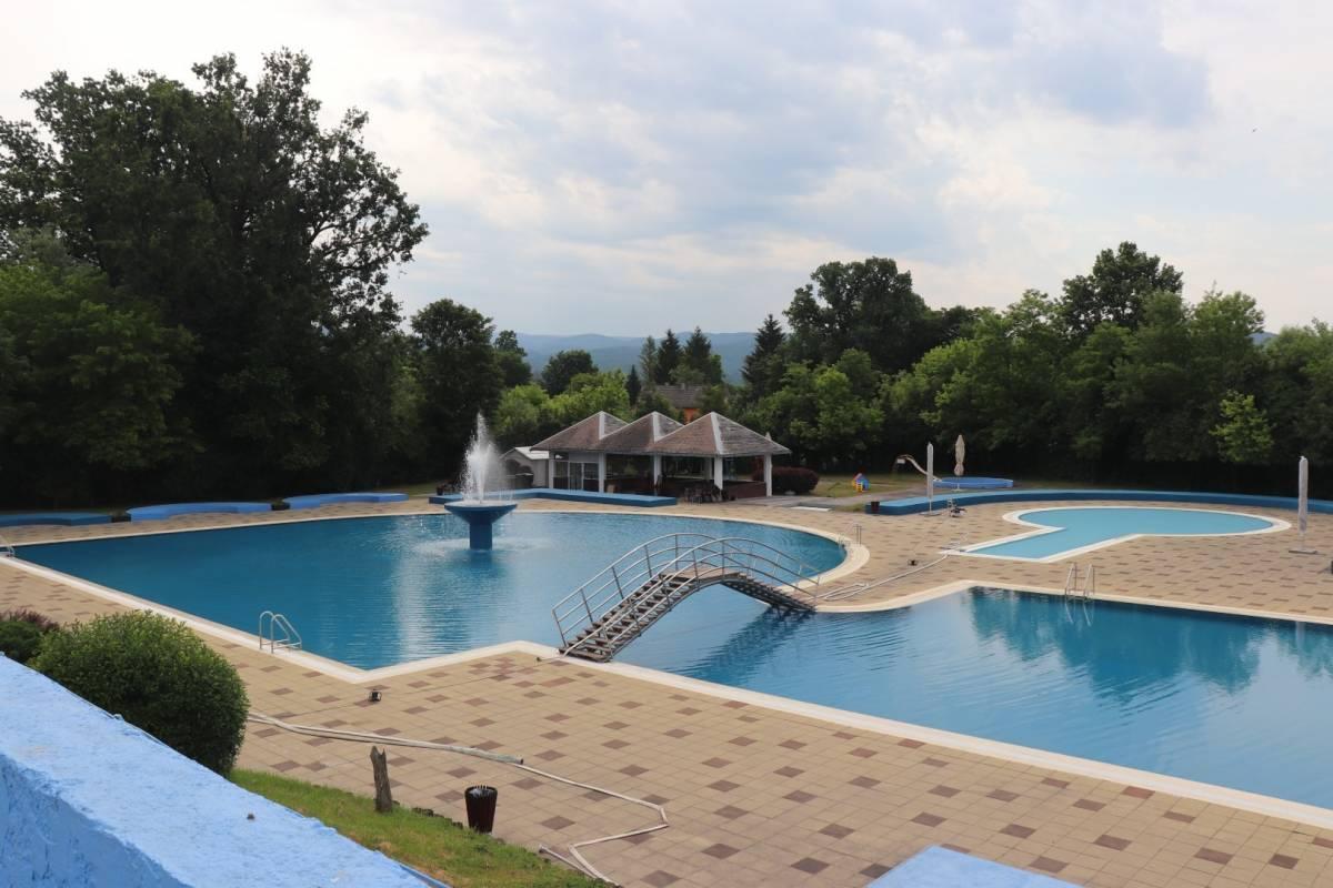 Danas počinje sezona kupanja na lipičkim bazenima
