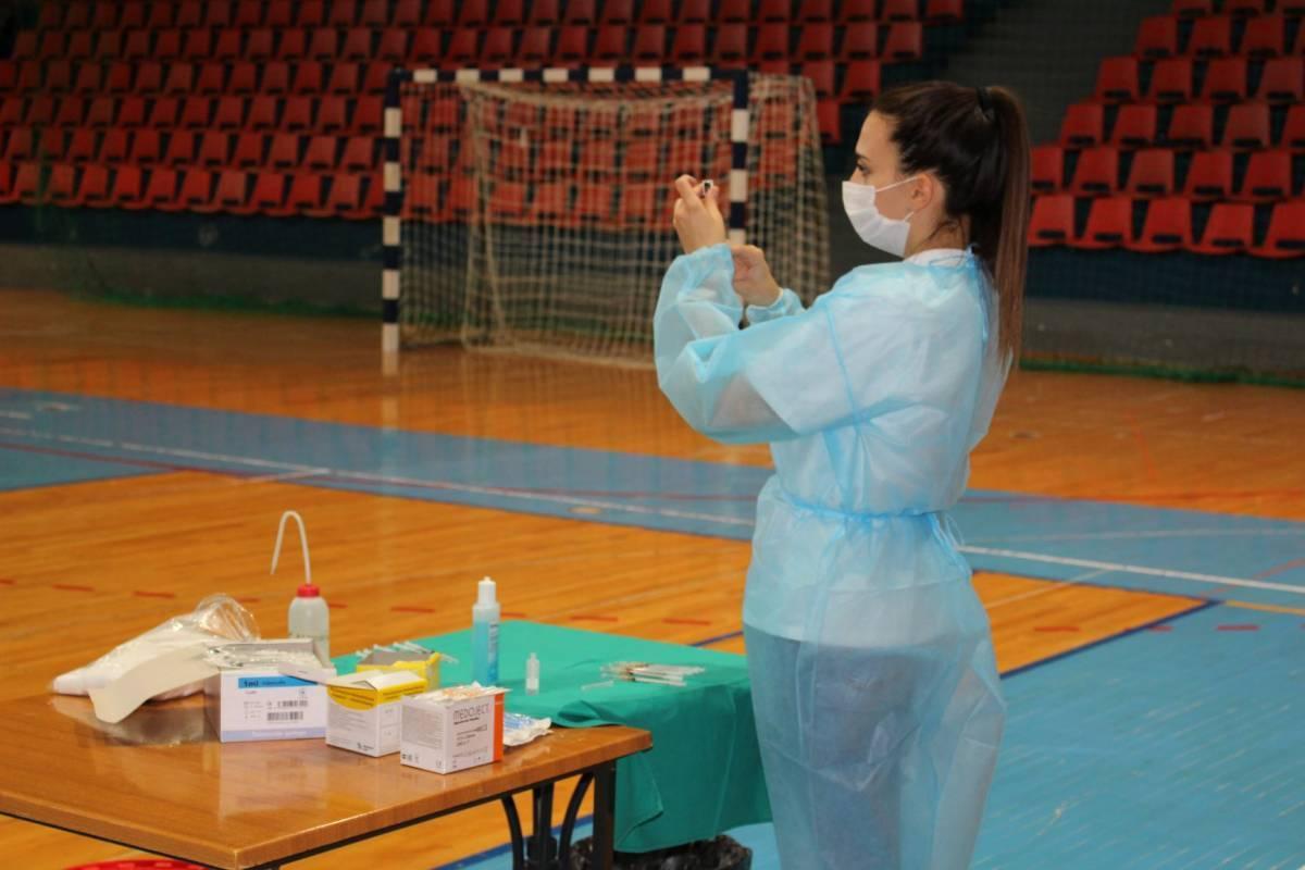 Zašto je vrijeme da Hrvatska razmisli o obaveznom cijepljenju protiv Covida-19?