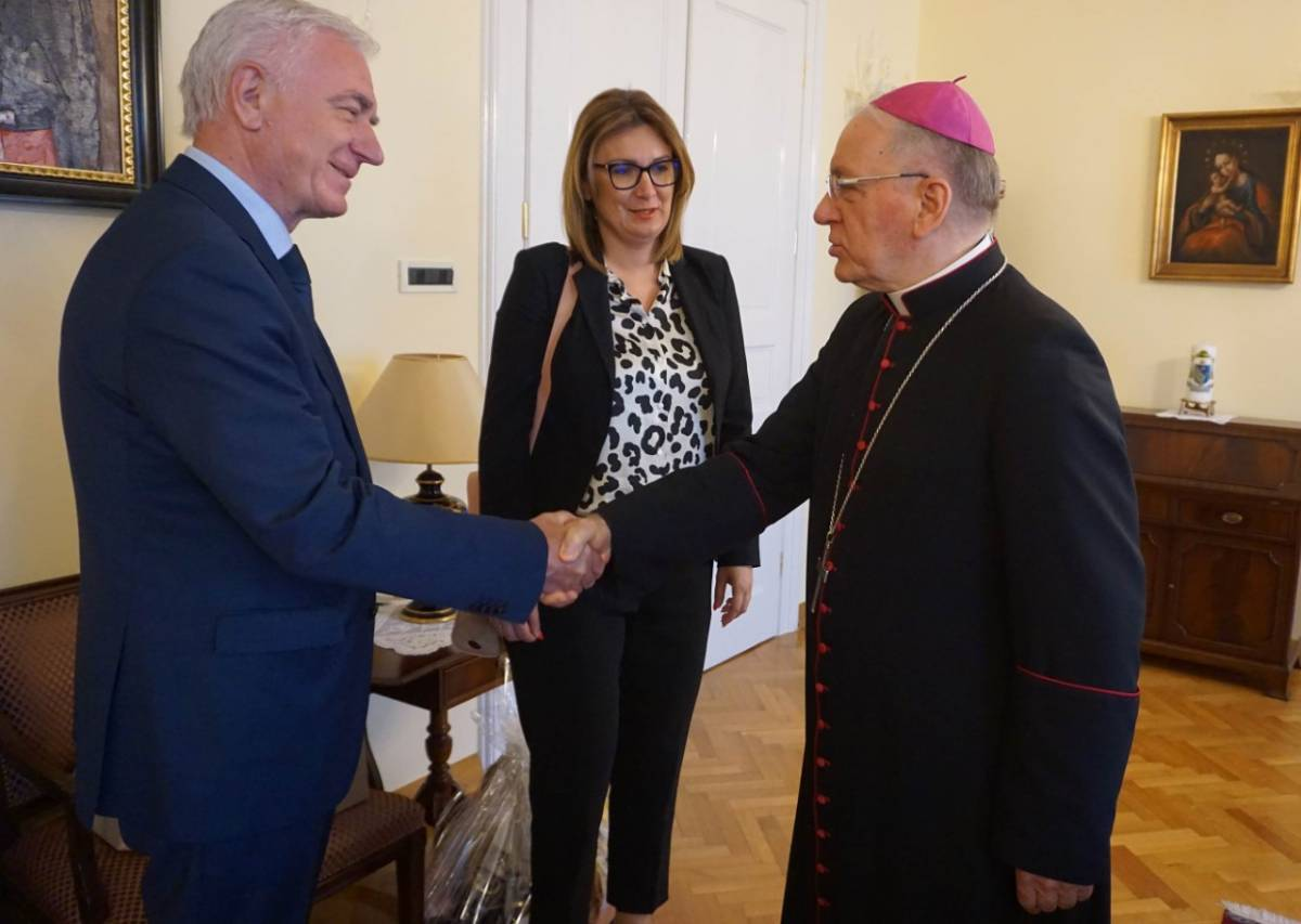 Biskup primio požeško-slavonsku županicu i požeškog gradonačelnika