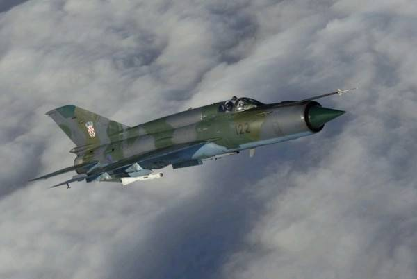 Redovite letačke aktivnosti Eskadrile borbenih aviona HRZ-a