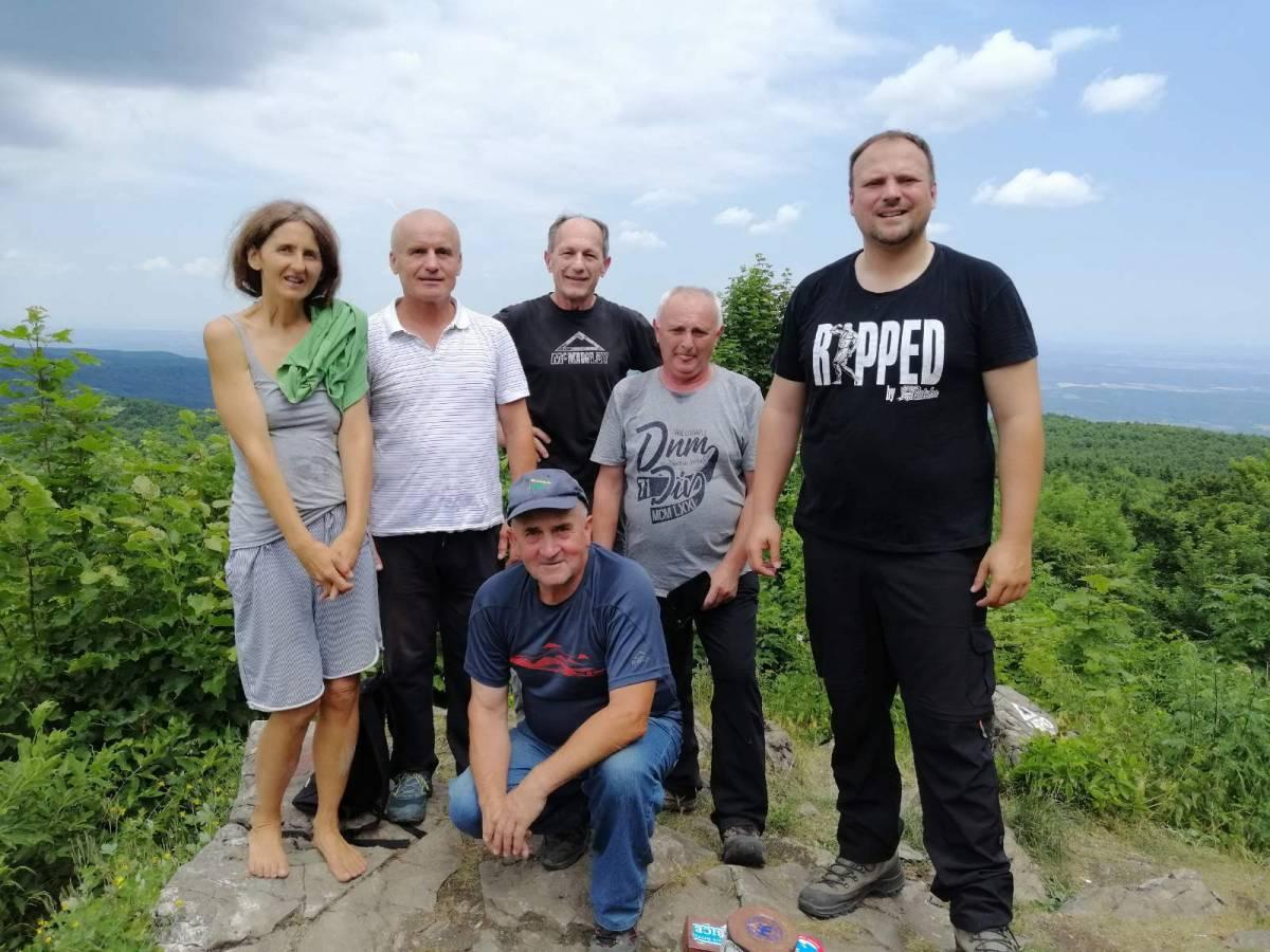 Planinari HPD ʺSokolovacʺ Požega dočekali ljeto na Papuku