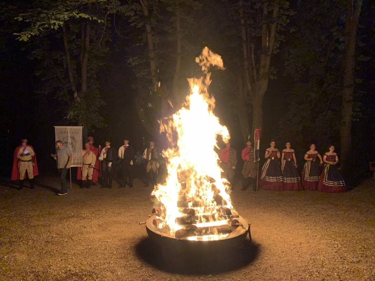 Paljenje Ivanjskog krijesa na Starom gradu u Požegi, 21.06.2021.