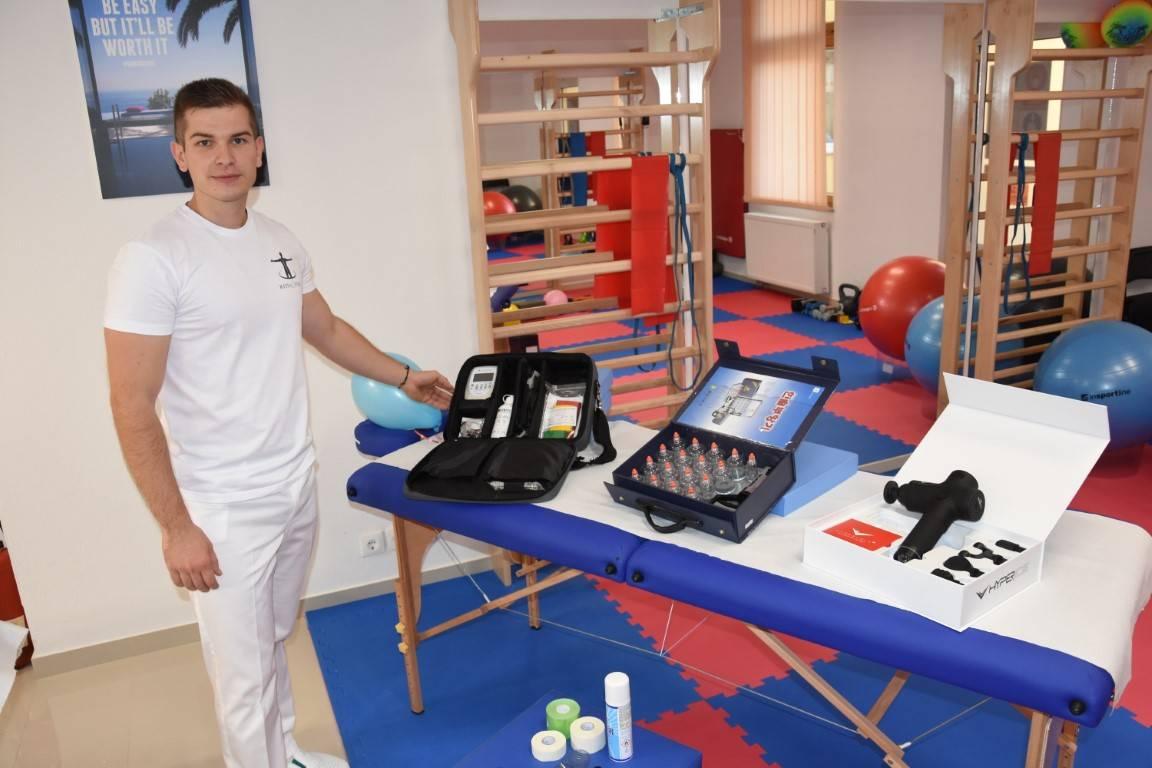 Mladen nakon studija otvorio suvremeni fizioterapeutski salon u Požegi gdje radi po svjetski priznatim metodama liječenja