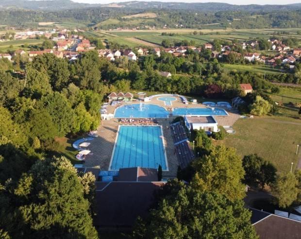 AKTIVNA HRVATSKA: Sunčano jutro uz plave bazene prava je prilika za aktivni odmor i zabavu
