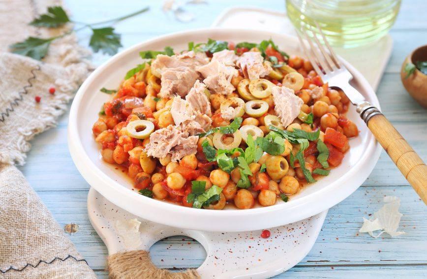 Recept za finu salatu punu proteina koja se sprema za manje od pet minuta