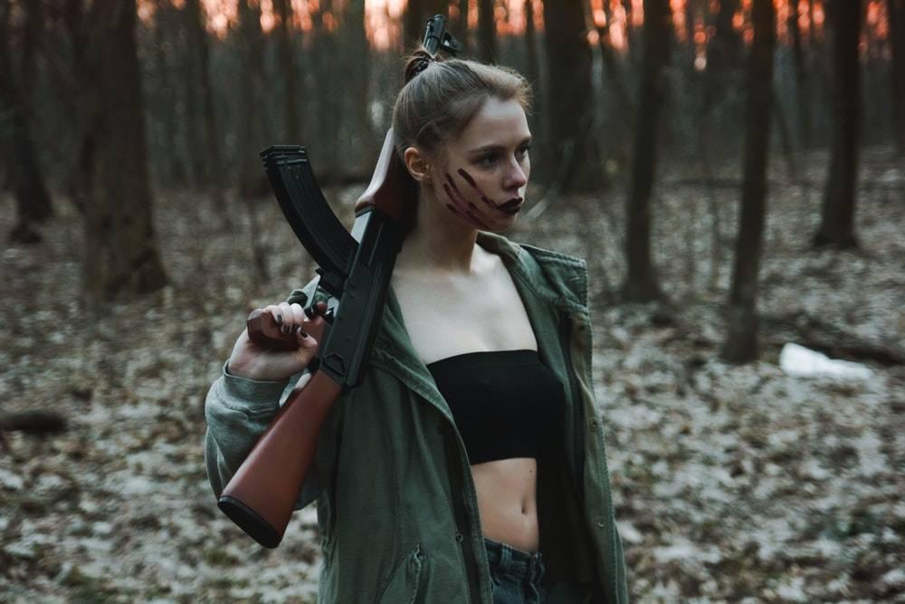 Policija u Slavonskom Brodu oduzela pušku djevojci u dobi od 21 godinu