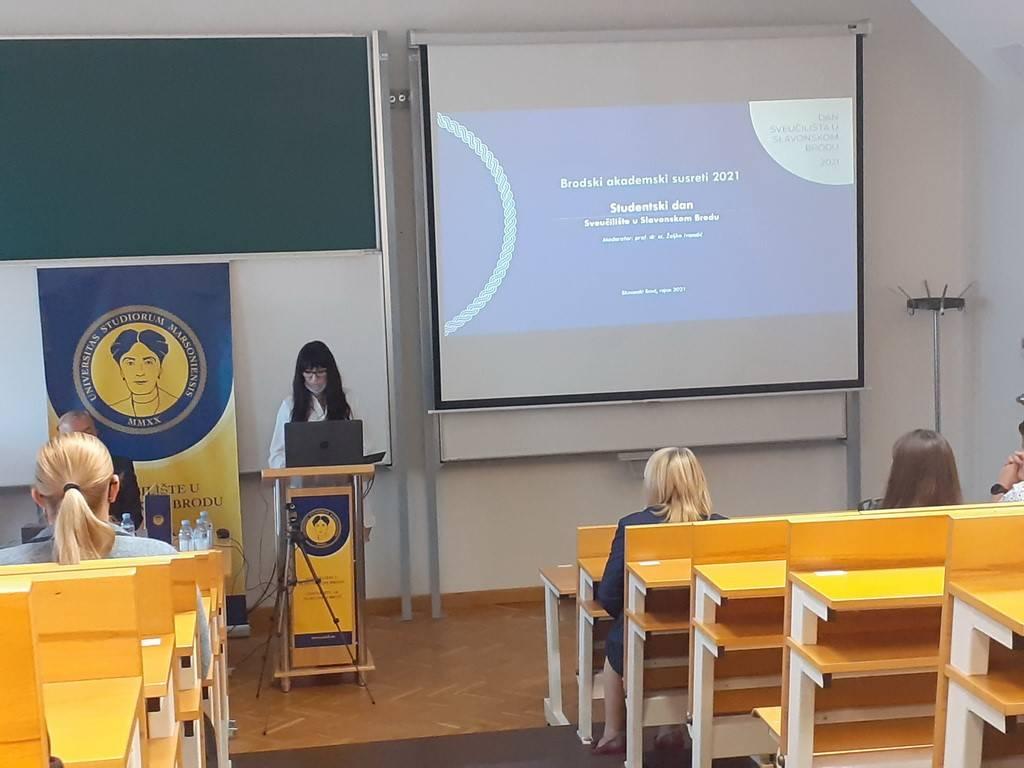"""Održana tribina """"Studentski dan"""" u sklopu obilježavanja prve godišnjice Sveučilišta u Slavonskom Brodu"""