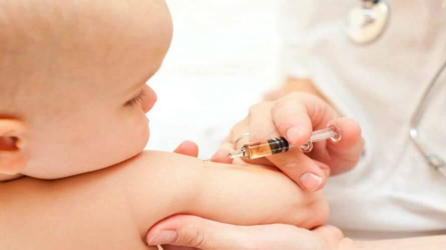 Umjesto cjepiva protiv hepatitisa, dojenče dobilo cjepivo protiv korone