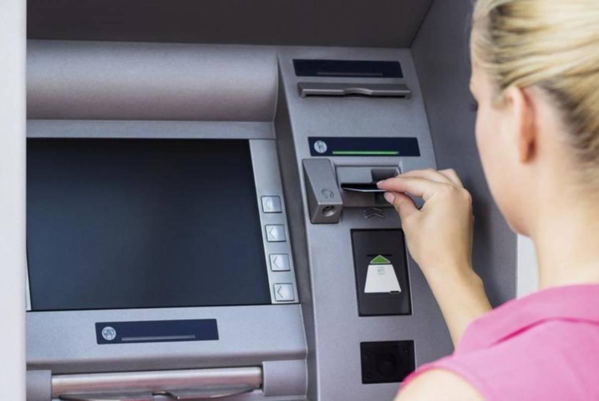 Pola bankomata u Hrvatskoj moglo bi biti ukinuto, a po gotovinu bi mogli ići čak na drugu stranu grada