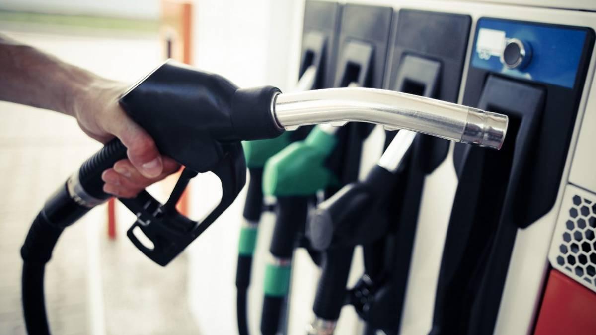 Cijene goriva i dalje divljaju, a najveći dio od cijene uzima država