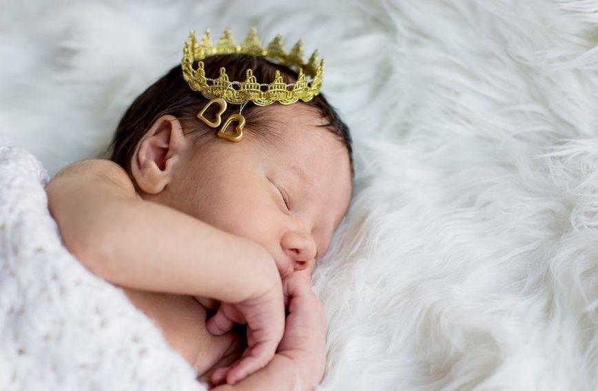 Ovo su najljepši 15 kraljevskih imena za vaše male prinčeve