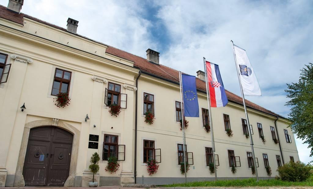 Javni poziv za predlaganje programa javnih potreba u kulturi Grada Slavonskog Broda za 2022. godinu