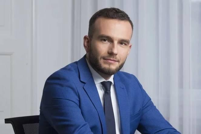 Ministar Aladrović najavljuje dizanje minimalne plaće